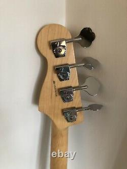 Fender American Standard Precision Bass Cola Red 2011 Mint Condition