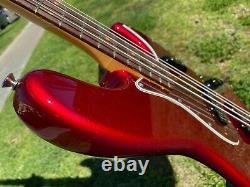 Fender American USA Original'60s Jazz Bass Candy Apple Red with COA Near MINT