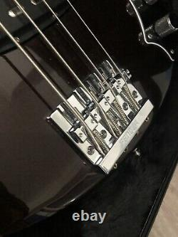Fender Deluxe Dimension USA American 4 string Bass Hard Case Etc