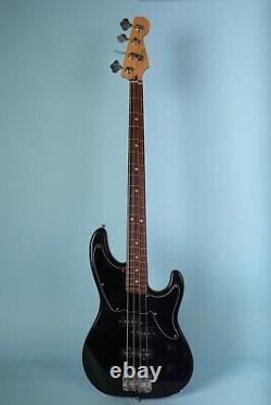 Fender Deluxe Precision Cowpoke Bass Black