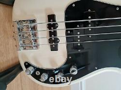 Fender Mexico Precision Bass Deluxe Active in Olympic White with gig bag. VGC
