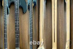 Fender Precision Bass, High Gloss Black on Black, 2004