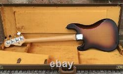 Fender Precision USA AVRI 62 Bass Guitar with OHSC