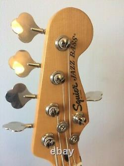 Fender Squier 70s classic vibe Jazz bass 5 string, Black with Maple neck