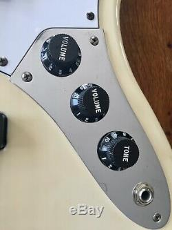 Fender Standard Jazz Electric Bass Guitar White with Rosewood Fingerboard 1998