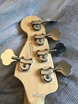 Fender jazz elite 5 bass guitar, ocean turquiose