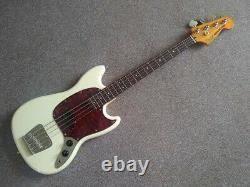 Squire Classic Vibe'60s Mustang Bass Guitar, Laurel board, Olympic White