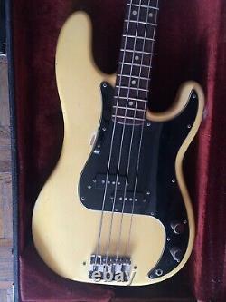 VINTAGE 1974 Fender bass