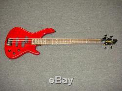 Washburn Lyon LB40 electric bass guitar